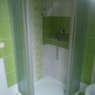Vybudování nové koupelny v Mrlínku - detail sprchového koutu.