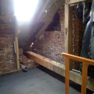Průběh rekonstrukce po zbourání původní koupelny.