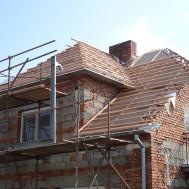 Rekonstrukce střechy, fasády a komínu RD Polešovice - nová střecha.