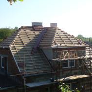 Rekonstrukce střechy, fasády a komínu RD Polešovice - nové komíny.