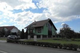 Podbití střechy a nová fasáda RD Kunovice