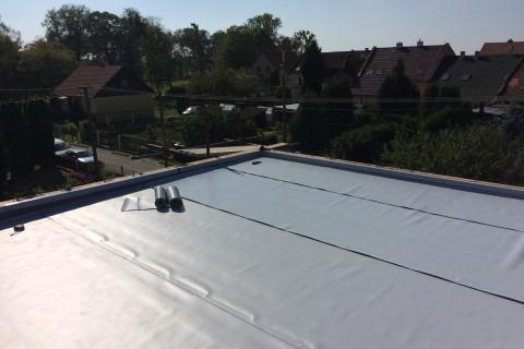 Rekonstrukce rovné střechy v Pohořelicích